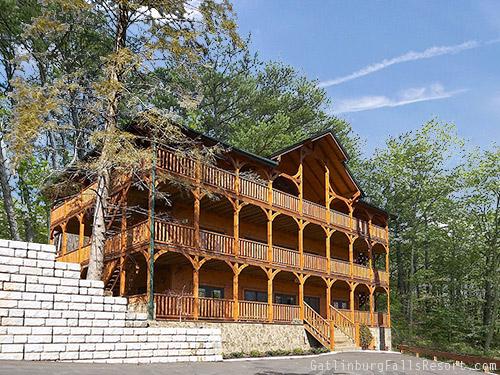 Gatlinburg Cabin - The Big Kahuna - 9 Bedroom - Sleeps 40 ...