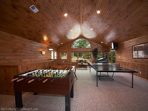 Gatlinburg Cabin The Big Kahuna 9 Bedroom Sleeps 40