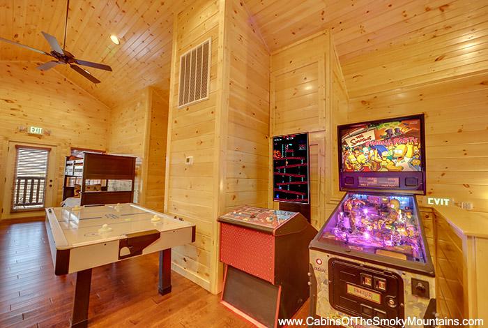 Gatlinburg cabin the big kahuna 9 bedroom sleeps 40 for Premier smoky mountain cabin rentals