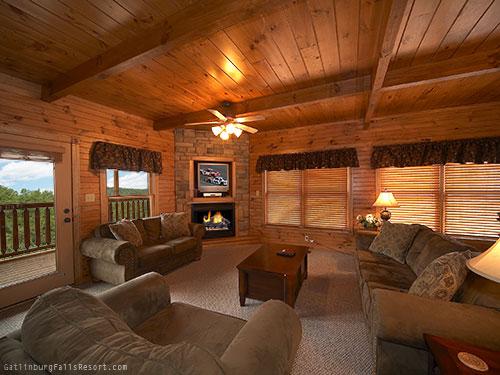 Gatlinburg Cabin Majestic Point 5 Bedroom Sleeps 20 Bunk Beds Swimming Pool Access