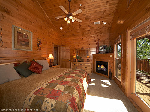 Gatlinburg Cabin Waterfall Lodge 7 Bedroom Sleeps 30