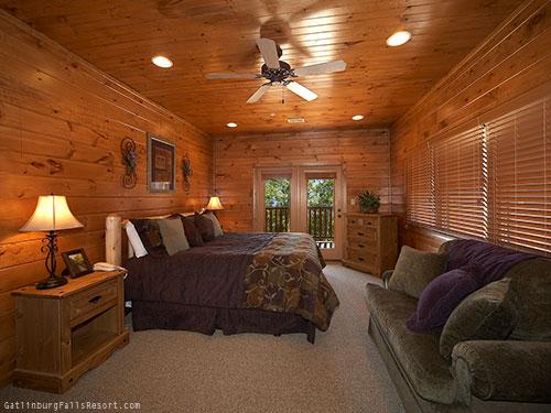 Gatlinburg Cabin Waterfall Lodge 7 Bedroom Sleeps 30