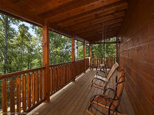 Gatlinburg cabin eagle 39 s nest 5 bedroom sleeps 16 for Eagles view cabin sevierville tn