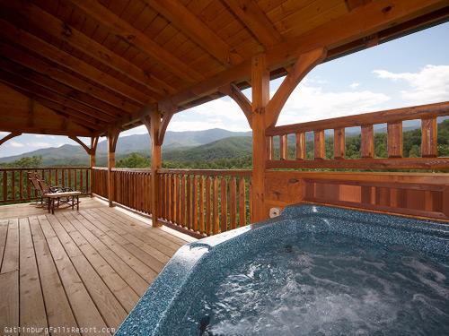 Gatlinburg Cabin Dreams Come True 5 Bedroom Sleeps 19 Swimming Pool Access Bunk Beds