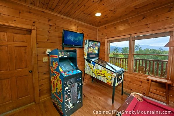 Gatlinburg Cabin Views Above The Rest 5 Bedroom Sleeps 20 Bunk Beds Jukebox Swimming