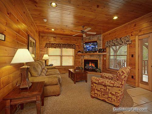 Gatlinburg Cabin Viewtopia 2 Bedroom Sleeps 10 Swimming Pool Access Bunk Beds