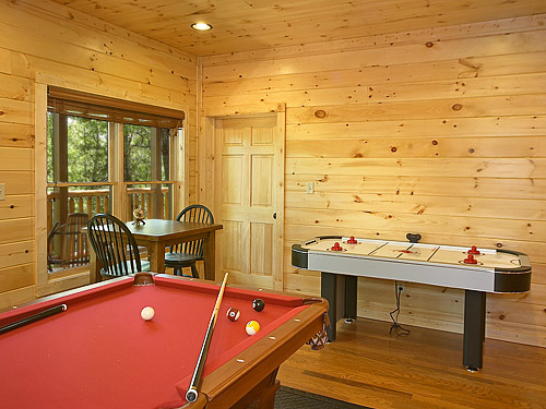 Pigeon forge cabin buckingham palace 9 bedroom sleeps 28 - Is there a swimming pool in buckingham palace ...