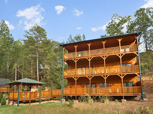 Pigeon forge cabin the crown jewel 5 bedroom sleeps 18 for Discount smoky mountain cabin rentals