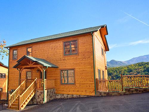 Gatlinburg cabin smoky mountain lodge 5 bedroom for Premier smoky mountain cabin rentals