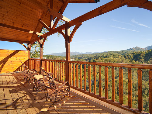 Pigeon forge cabin heavenly heights 1 bedroom sleeps 8 for Gatlinburg cabins for couples