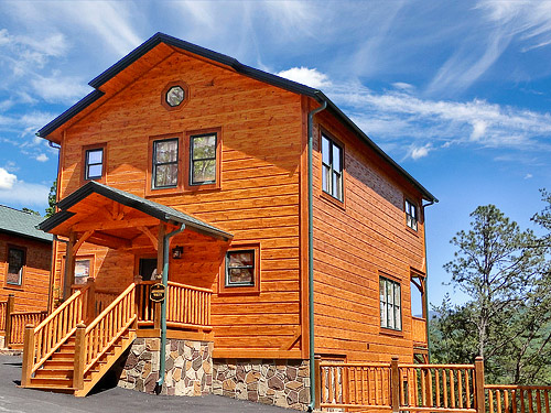 Pigeon forge cabin tennessee walt 39 s 4 bedroom sleeps 12 for Smoky mountain tennessee cabin rentals