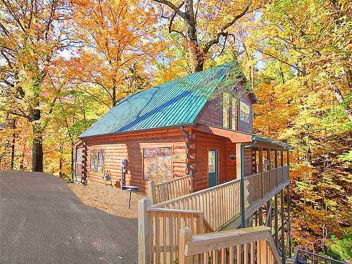 Gatlinburg cabin smoky mountain dreamin 39 2 bedroom sleeps 6 jacuzzi for 3 bedroom cabins in smoky mountains