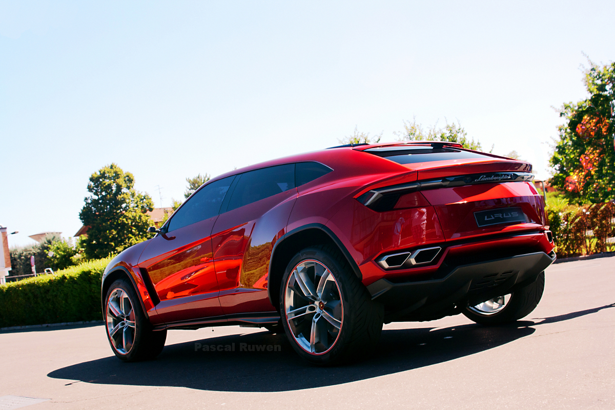 it 39 s official the lamborghini urus suv is happening. Black Bedroom Furniture Sets. Home Design Ideas