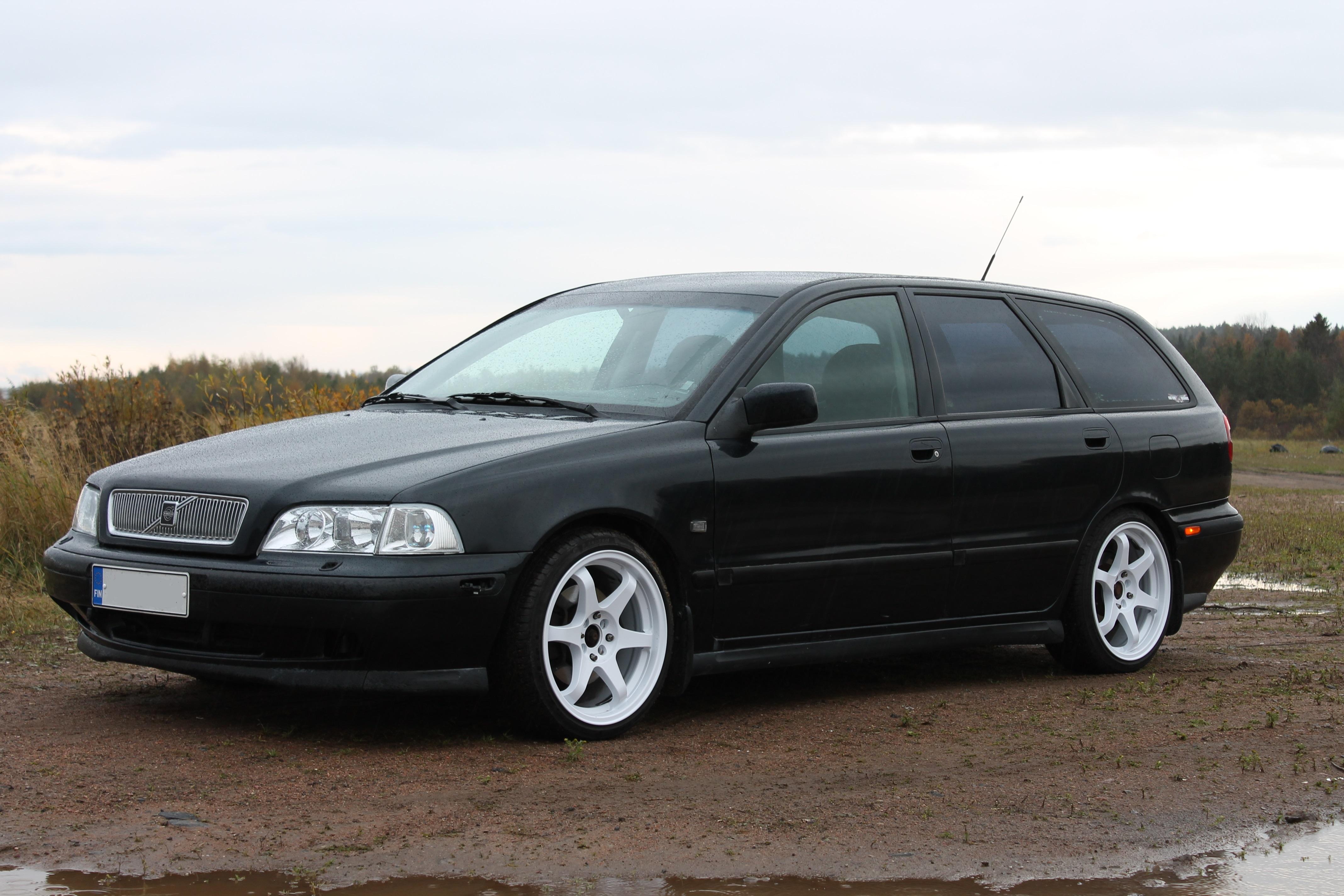 1998 Volvo V40 T4