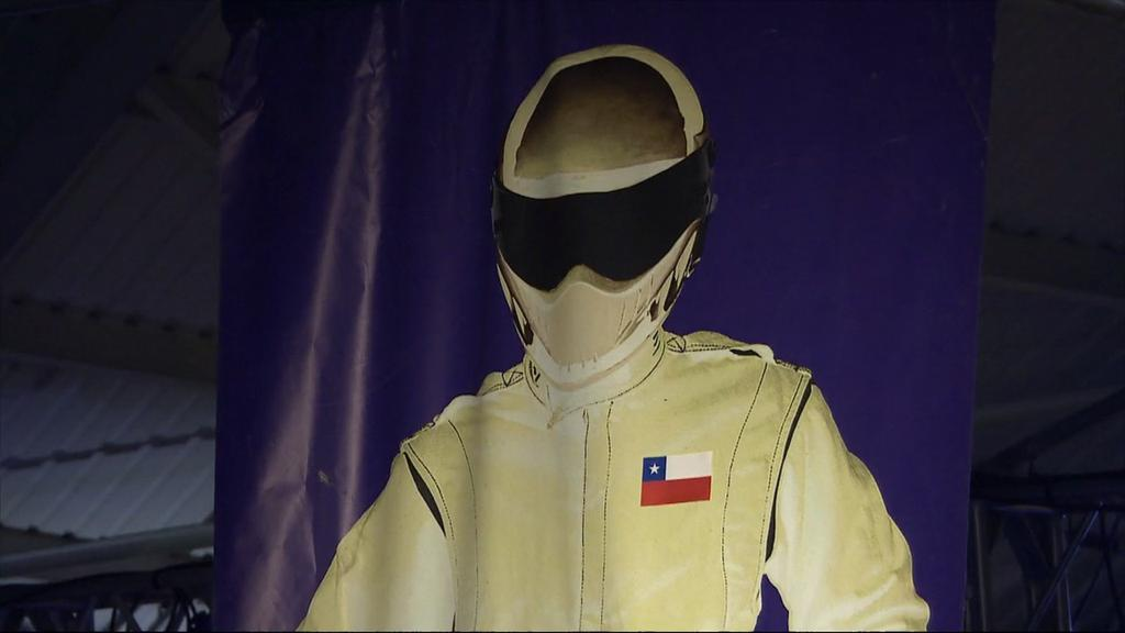 the stig looked amazing with his bandera chilena now he 39 s sad bringbackclarkson. Black Bedroom Furniture Sets. Home Design Ideas