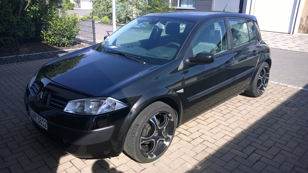 hey guys here is my first car the renault megane 1 6 16v in my opinion this is the best car. Black Bedroom Furniture Sets. Home Design Ideas