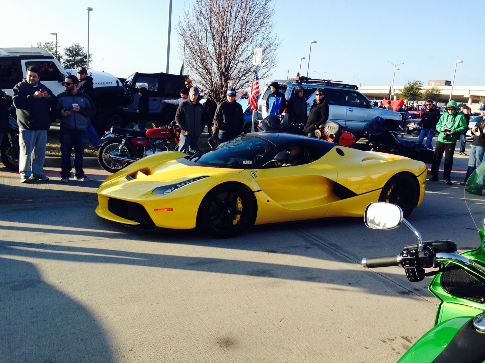 laferrari at cars and coffee dallas tx extremely beautiful. Black Bedroom Furniture Sets. Home Design Ideas
