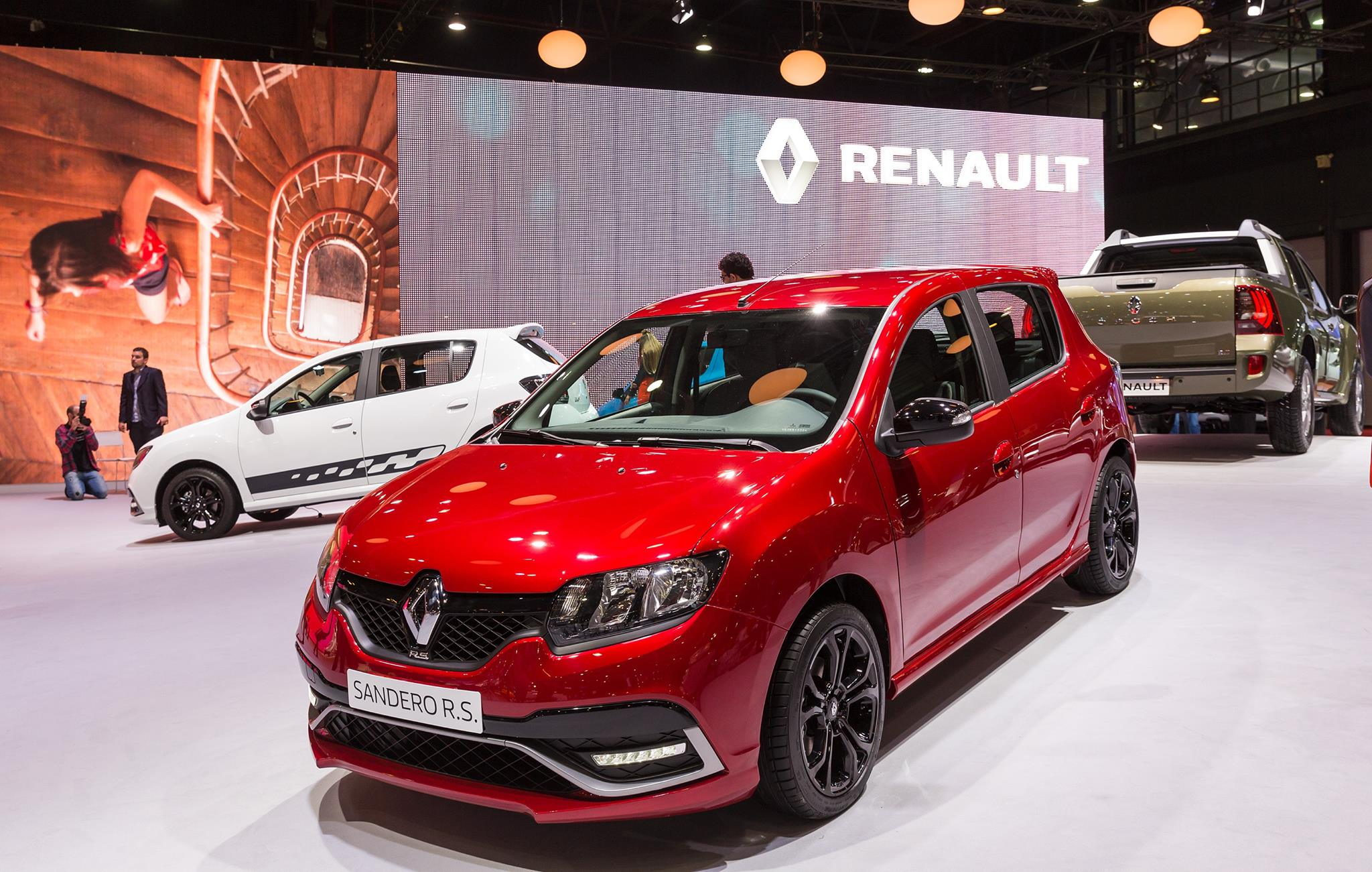 here we are the new dacia sandero rs look nice. Black Bedroom Furniture Sets. Home Design Ideas