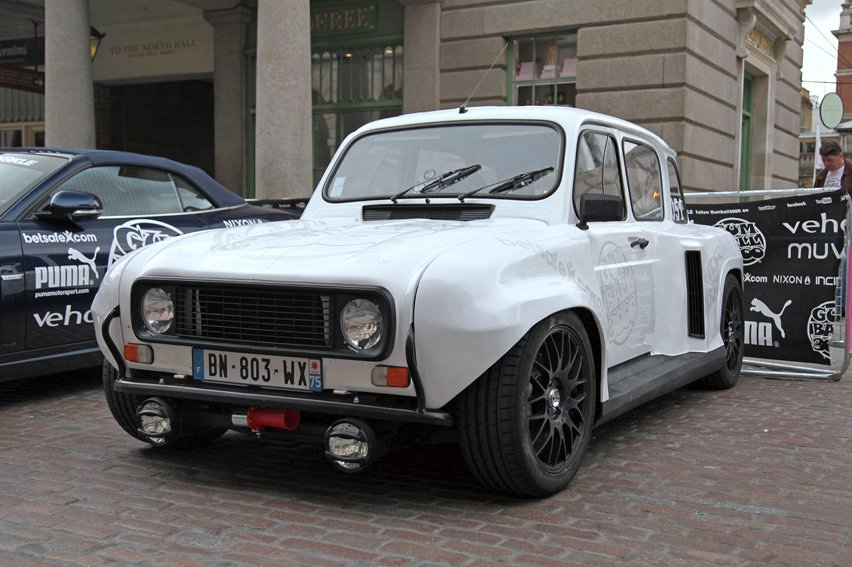 Renault 4 With Transverse Clio V6 Engine On The Back