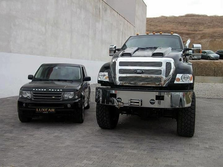 Range Rover looks so small next to Ford F650