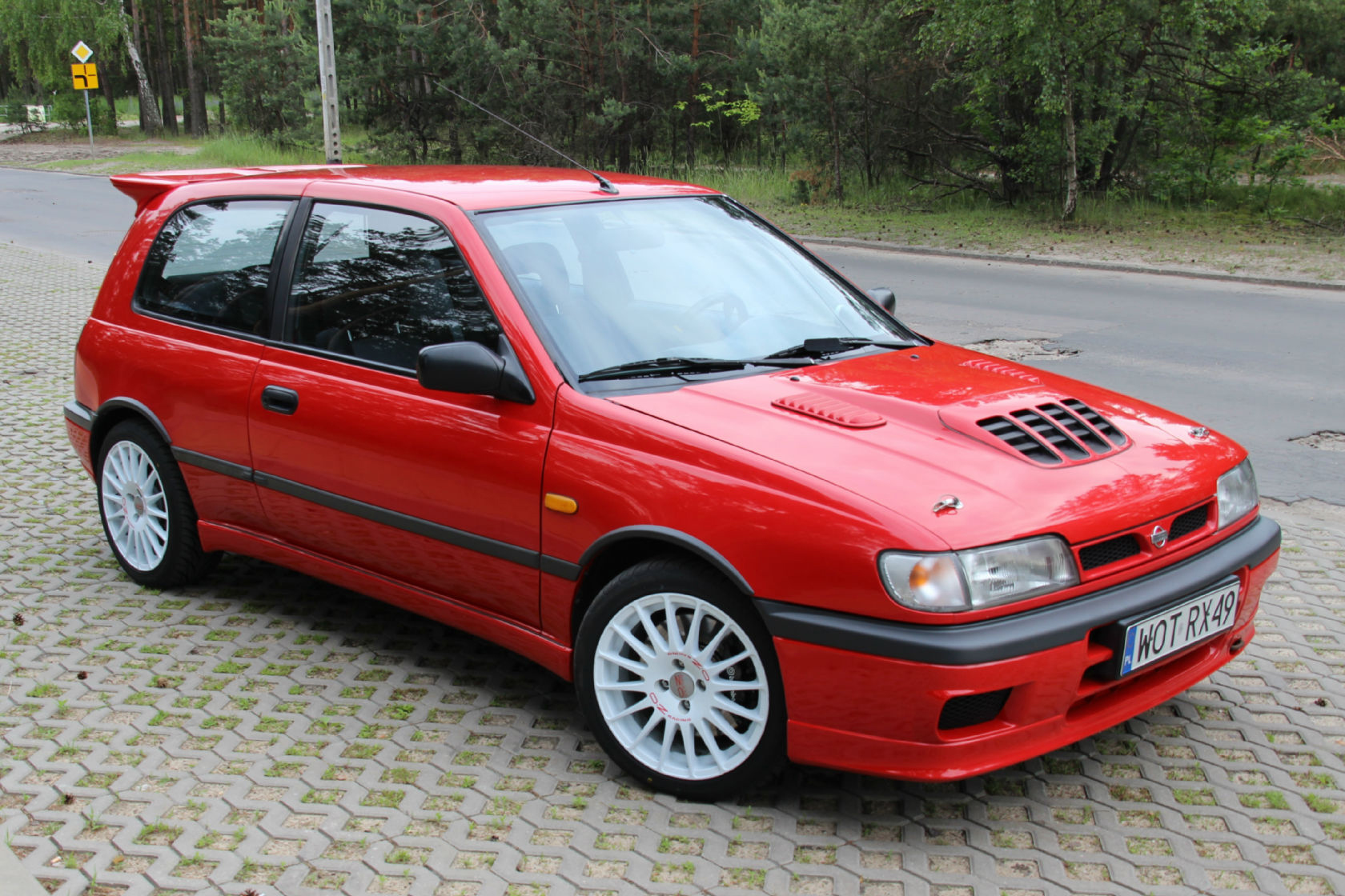 one of my little wet dreams nissan sunny gti r small and very light car 4 wheel drive. Black Bedroom Furniture Sets. Home Design Ideas