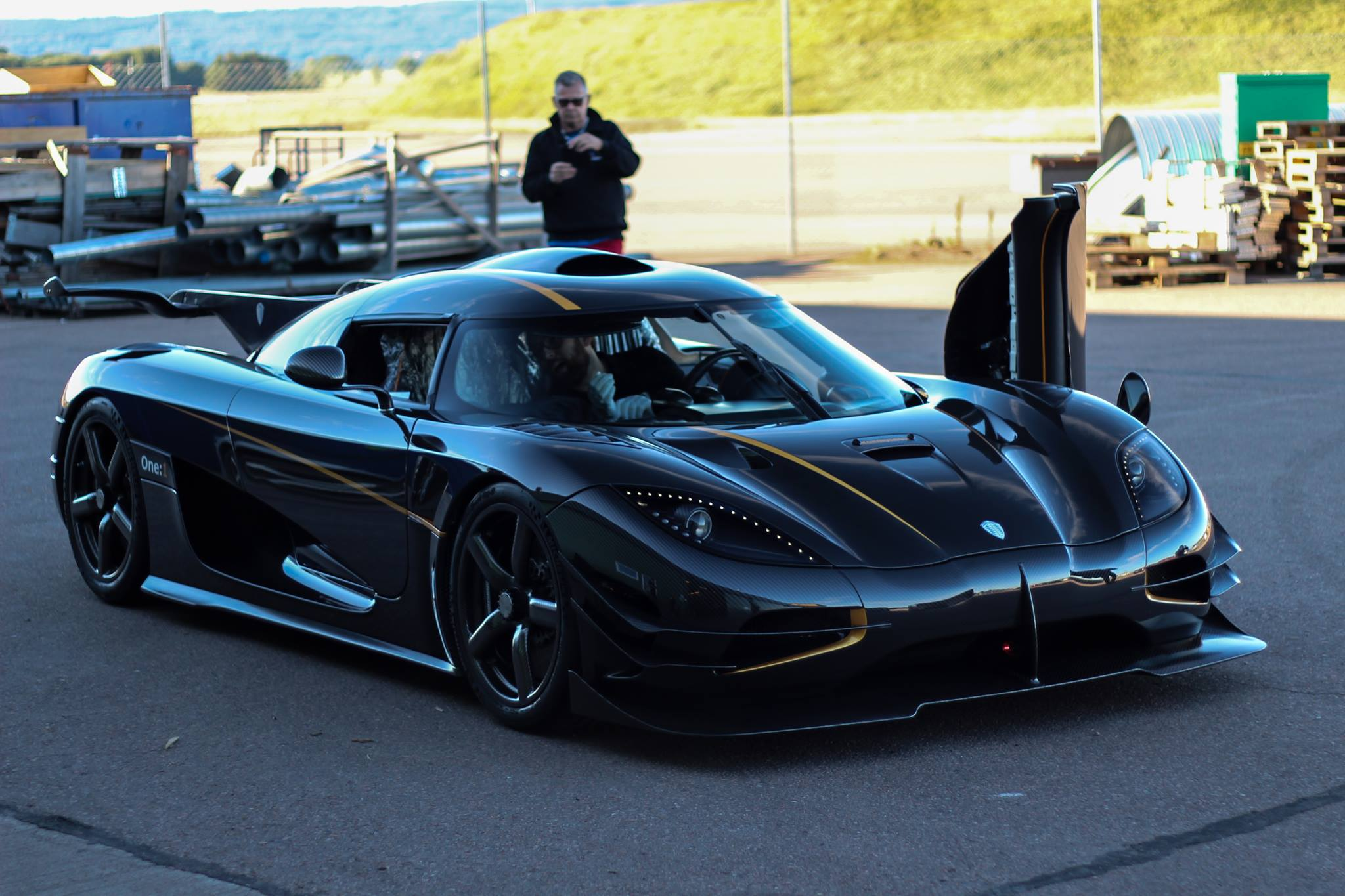 1300 hp 1300kg and 1300 points so heres a koenigsegg one 1 to one lol. Black Bedroom Furniture Sets. Home Design Ideas