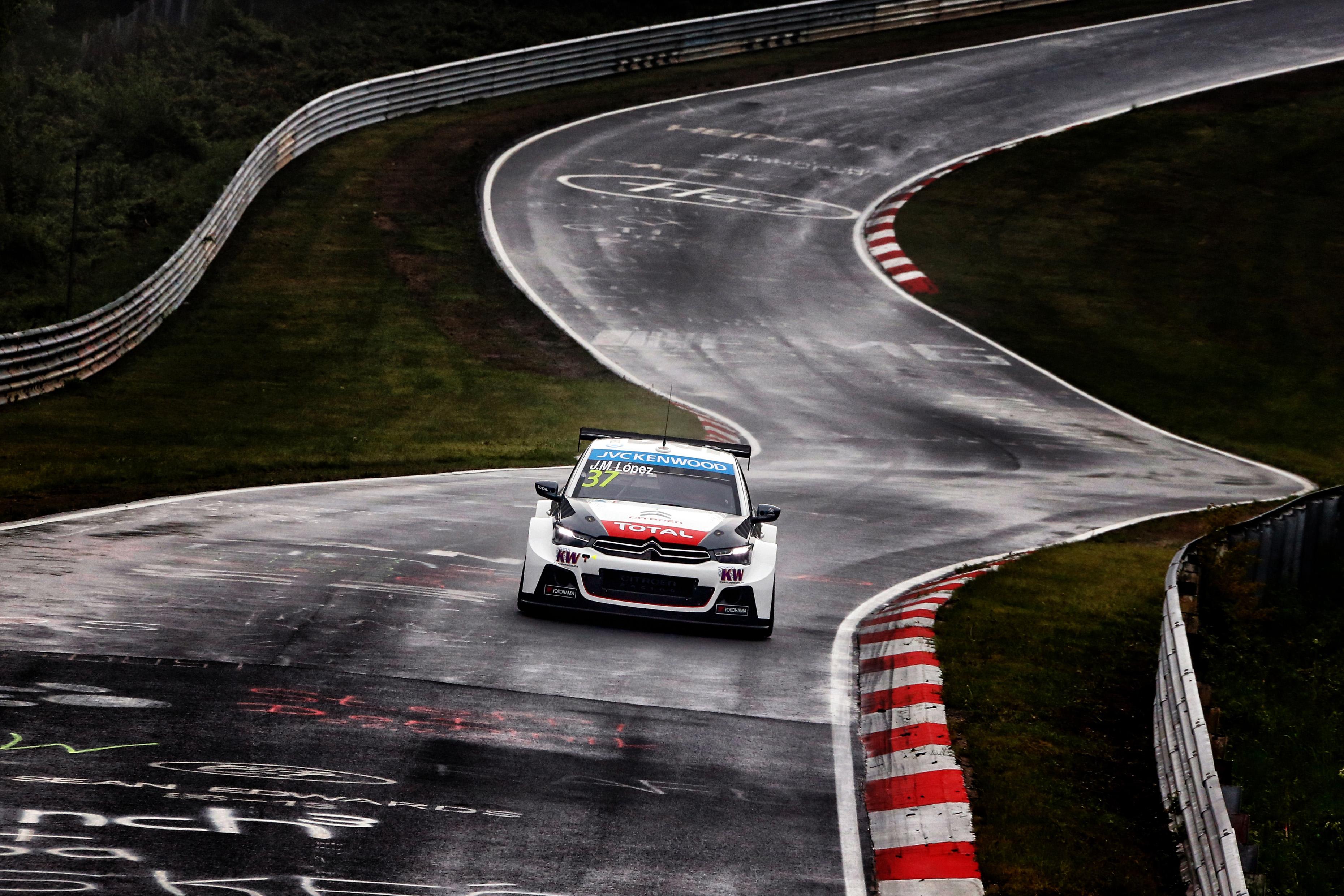 Citro n racing on car throttle for Garage skoda versailles