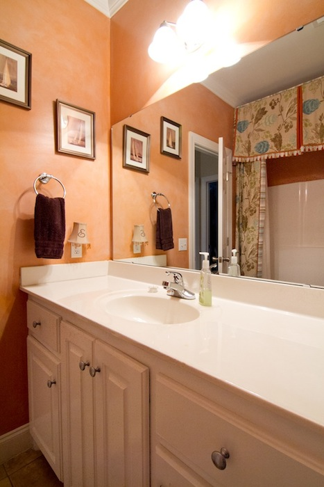 Guest Bathroom-3052