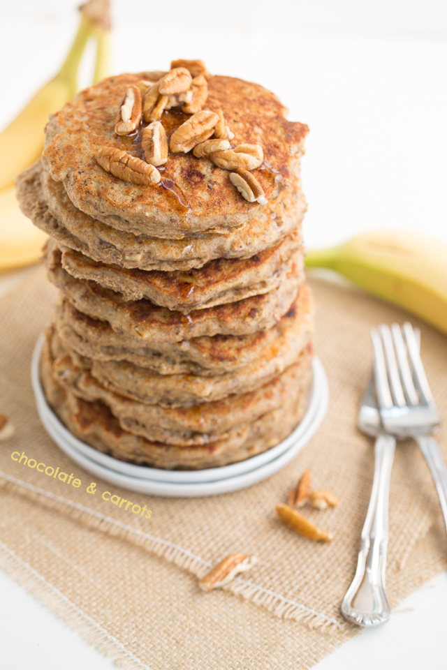 Whole Wheat Banana Pecan Pancakes | chocolateandcarrots.com
