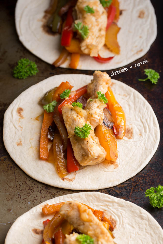 Spicy Apple Chicken Fajitas | chocolateandcarrots.com