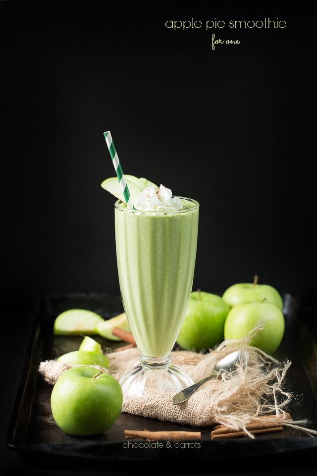 Apple Pie Smoothie for one | chocolateandcarrots.com