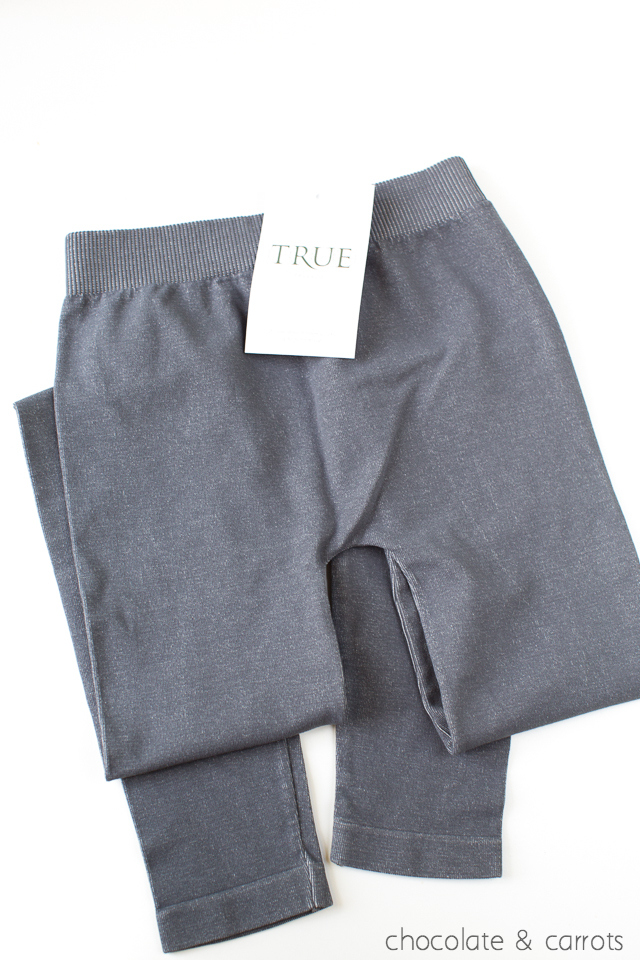 Two Toned Leggings True&Co Review | chocolateandcarrots.com