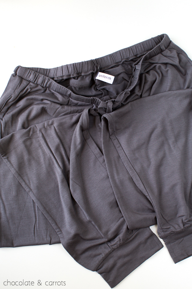 Easy Fit Pants True&Co Review | chocolateandcarrots.com