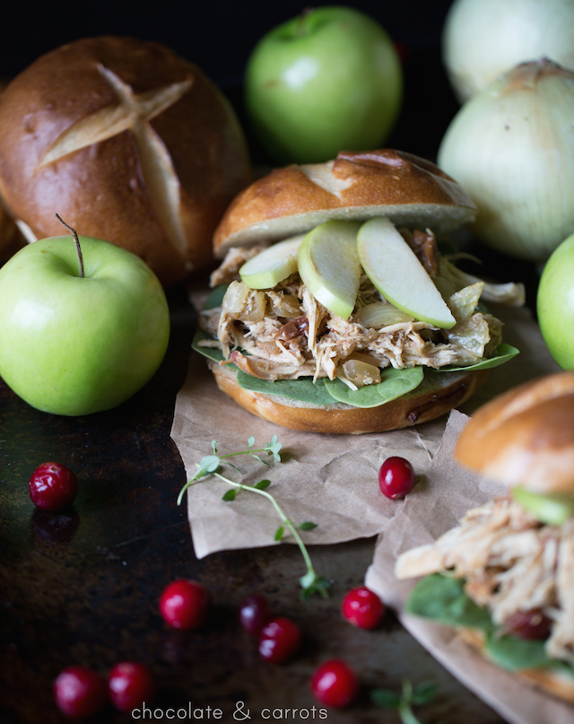 Slow Cooker Autumn Apple Chicken Sandwiches | chocolateandcarrots.com