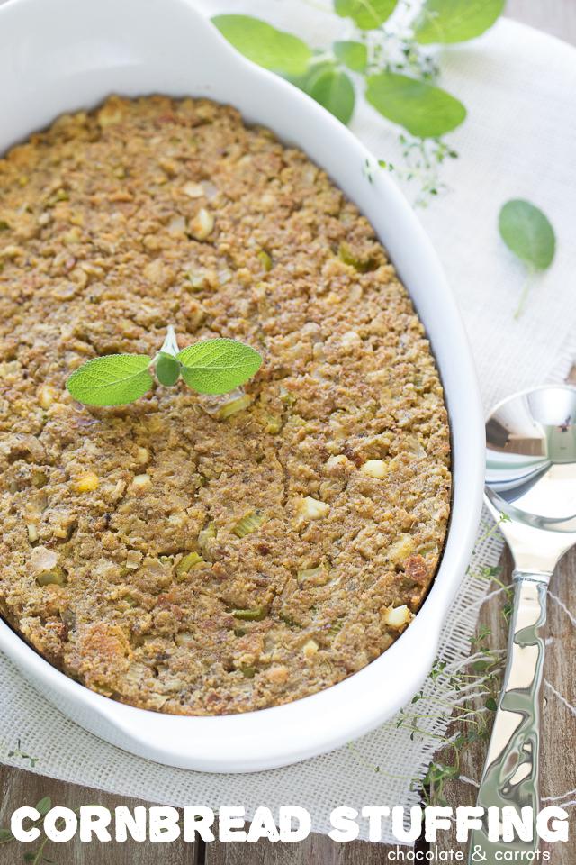 Cornbread Stuffing | chocolateandcarrots.com #thanksgiving