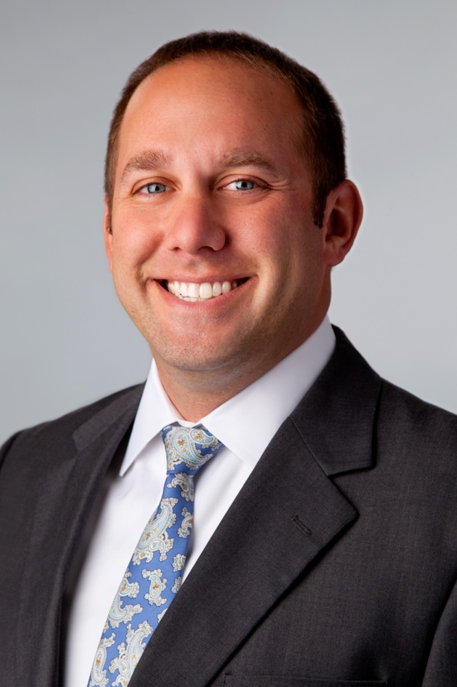 Vinnie Lewis | Commonwealth Financial Group