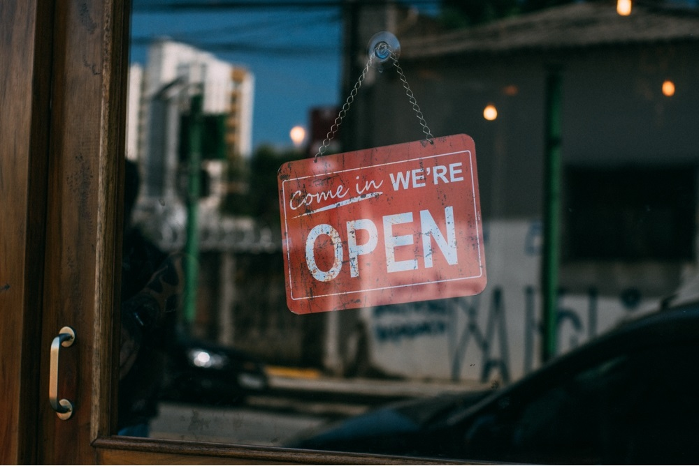 5 Reasons that Shopping Local Benefits YOU