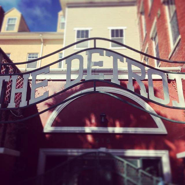 The gates #downtownstpetersburg #dtsp #727 #stpetersburgfl #stpetersburgflorida #historical #detroit #hoteldetroit