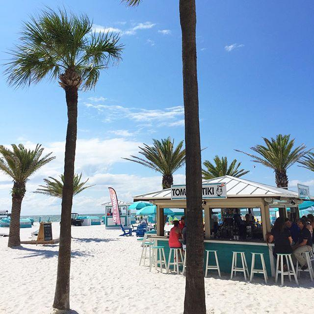 Helllllooooo Friday! Can't beat this at @hiltonclearwaterbeach. #liveamplified #AmericasBestBeaches #LoveFL #Cleargram