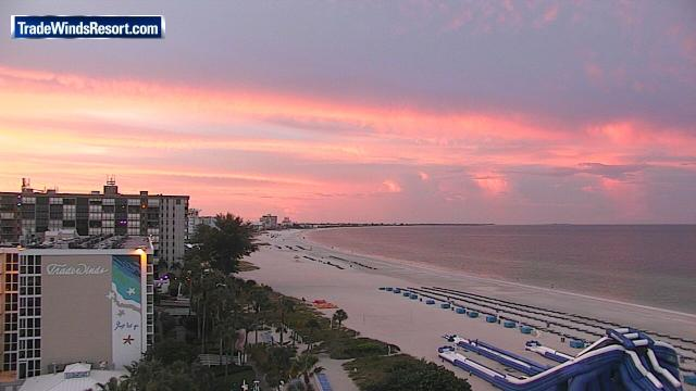 Got a sunrise picture to share? Tweet it to us or post on our app, News13+! This is the view over at St. Pete Beach. https://t.co/u59lXoEIgz