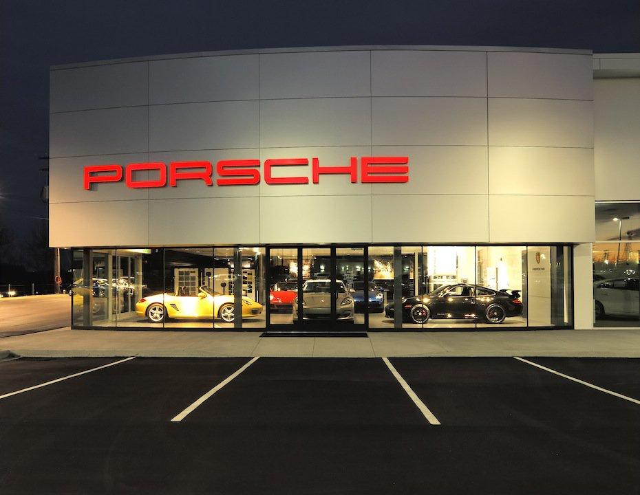 Paramount Porsche Hickory