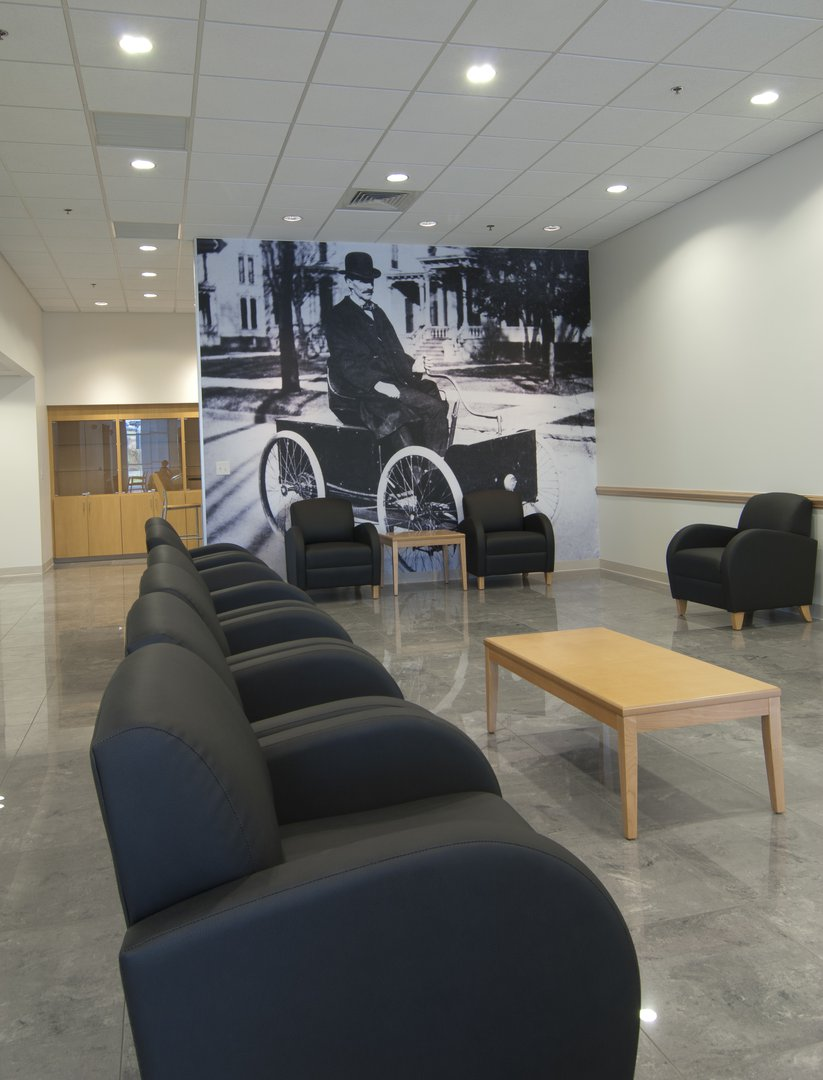 Cloninger Ford Hickory Waiting Area