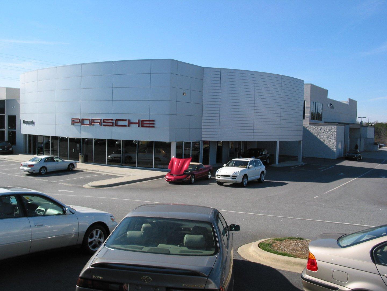 Paramount Motors Porsche