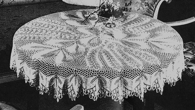 Erikas 80 Nr 3 Herbstlaub Round Tablecloth In Knitted Lace By