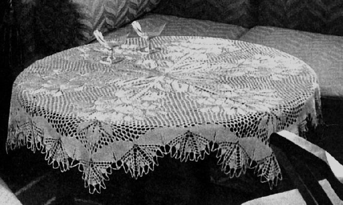 Lavendel Round Tablecloth In Knitted Lace By Herbert Niebling