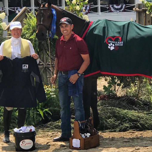 Jose Aguilar Wins $2,000 Equestrian Aid Foundation Grooms Class Sponsored by Missy Luczak-Smith at Blowing Rock Charity Horse Show