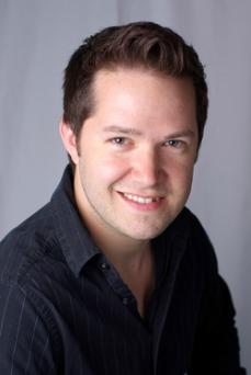 Head shot of Tom Santilli