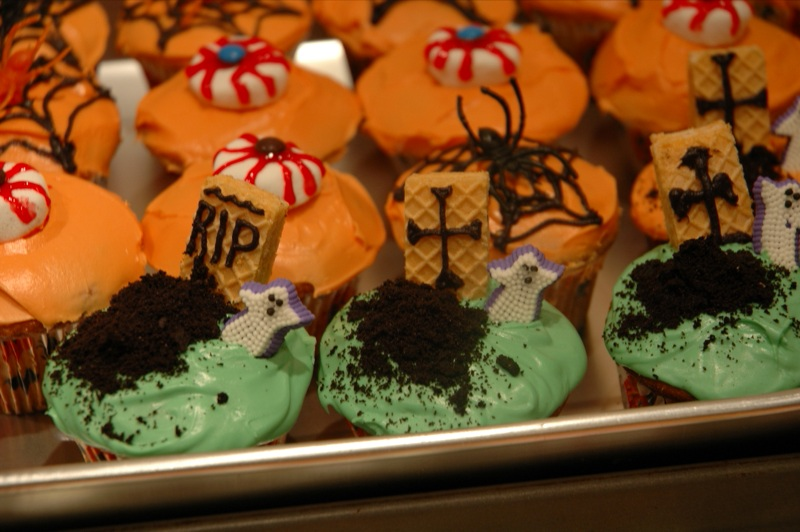 spooky cupcake wars