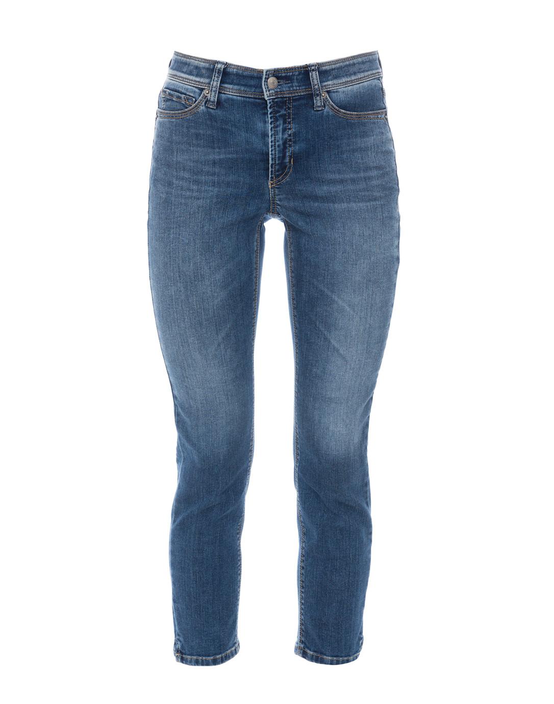 Wardrobe Cornerstones – Jeans