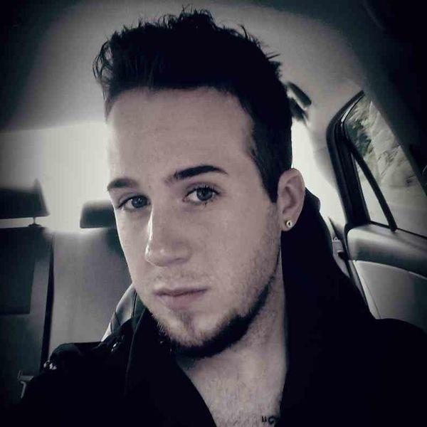 Featured Singer: Jesse Alexander Lyons